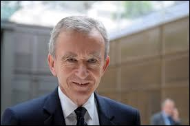 Bernard Arnault, célèbre homme d'affaires et milliardaire français, est né à Lille le 5 mars 1949.