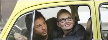Comment s'appelle l'homme qu'Emma a rencontré lorsqu'elle était plus jeune et à qui elle a volé une voiture ?