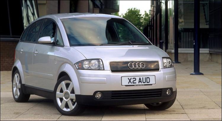Avec sa drôle de tronche et son nom prémonitoire (A2), on peut dire que cette odieuse Audi a ---- (Complétez ! )