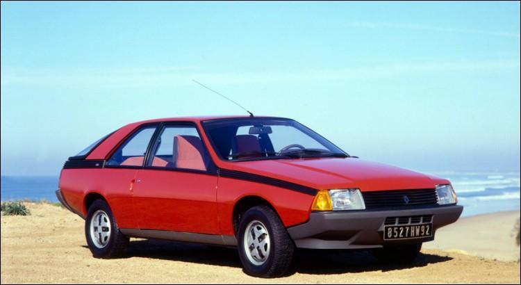 Oui, oui, c'est bien la voiture de Jean-Claude Convenant (Caméra Café) mais sans le pare-buffle... Alors ?