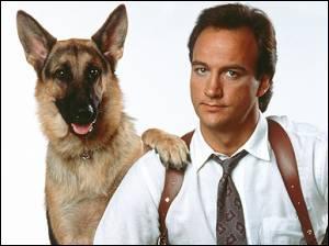 Dans quel film ce berger allemand a-t-il l'inspecteur Mike Dooley pour partenaire ?