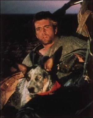 Comment se prénomme le chien qui accompagne Max Rockatansky dans « Mad Max 2 : le défi » ?