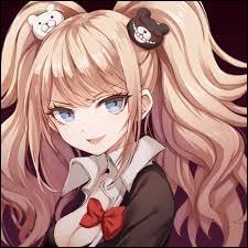 Elle est la lycéenne du désespoir et la responsable du massacre du lycée Kibogamine. Elle avait échangé sa place avec sa sœur jumelle qui s'est fait tuer à sa place après avoir été à l'encontre des règles. De qui s'agit-il ?