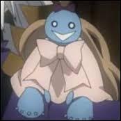 Elle est une petite poupée qui est toujours (ou presque) sur l'épaule gauche de l'un des personnages du manga. On ne sait pas si elle parle réellement ou si c'est juste un ''tour'' de ventriloque. De qui s'agit-il ?