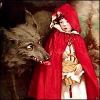 """Quel est le profil du loup dans les versions tant de Grimm que de Perrault : """"Le Petit Chaperon rouge"""" ?"""