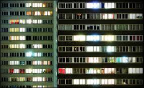 Qui n'a pas la lumière à tous les étages ?
