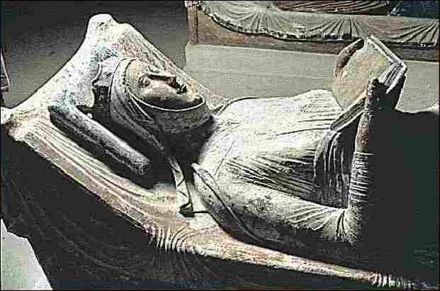 Quelle reine a eu un grand-père troubadour ?