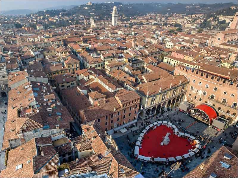 Quelle ville est le théâtre des amours de Roméo et Juliette ?