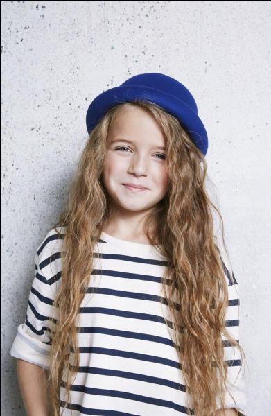 Comment s'appelle cette jeune chanteuse, âgée seulement de 10 ans ?