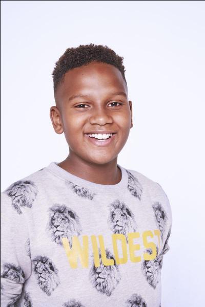 Comment s'appelle ce jeune chanteur, âgé de 13 ans ?