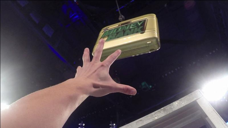 "Qui a remporté 2 fois la mallette ""Money In The Bank"" ?"