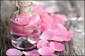 Que fait-on pour fabriquer de l'eau de rose ?