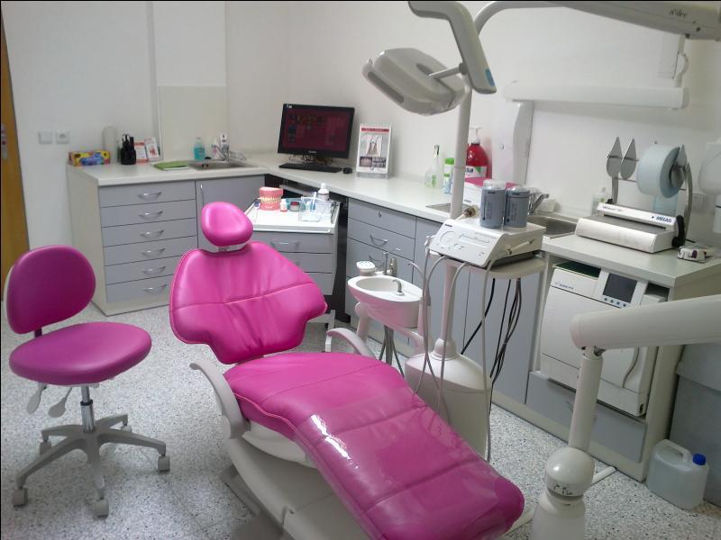 Quel spécialiste irez-vous consulter si vous souffrez d'une gingivite ?