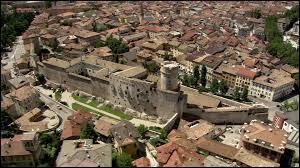 Cette ville est le siège d'un concile convoqué par le pape Paul III pour arbitrer le conflit du réformateur Luther avec la papauté.
