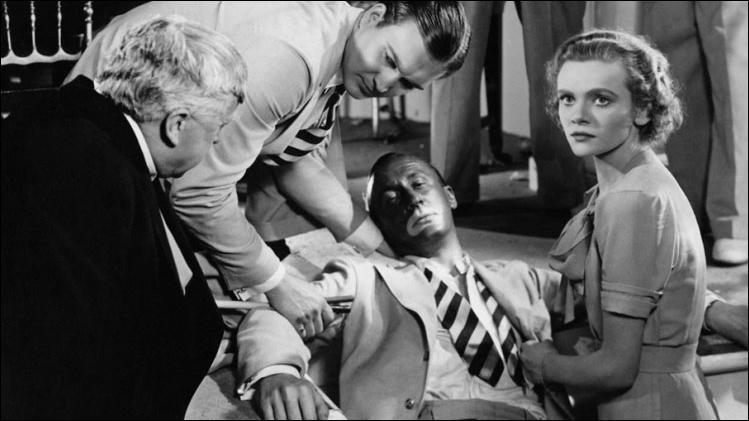 Film de 1937 : un jeune homme sympathique et rêveur est accusé à tort d'avoir étranglé une femme. Il arrive à s'enfuir de la salle du tribunal et va tenter, avec une complicité féminine, de prouver son innocence.