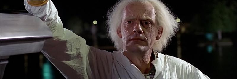 """Quel est le deuxième prénom du docteur Emmett Brown qu'il incarne dans """"Retour vers le futur"""" ?"""