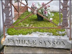 Tout d'abord, situons nos personnages. La famille Sanson est une famille célèbre de....(La question pour que personne n'ait zéro)