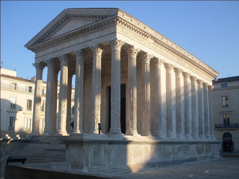 """La """"Rome française"""" conserve de la période romaine, des monuments tels que la Maison Carrée, les arènes et la tour Magne. Dans quelle ville du Gard pouvez-vous les visiter ?"""