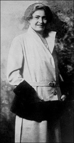 Rachele Guidi fut la maîtresse puis la femme de Benito Mussolini et lui sera fidèle toute sa vie : comment son histoire se finit-elle ?