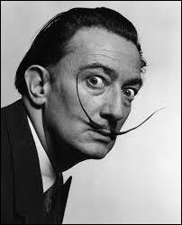 Salvador Dali gominait sa moustache au miel.