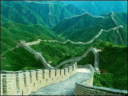 La Grande Muraille de Chine est visible à l'œil nu depuis la Lune.