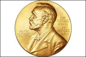 Alfred Nobel, créateur du prix Nobel, refuse de créer le prix Nobel des mathématiques car sa femme l'a trompé avec un mathématicien.