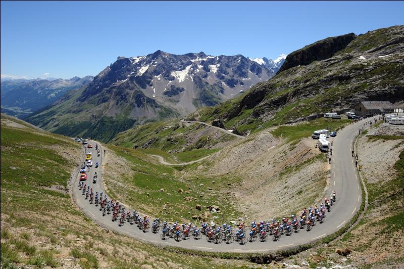 Journaliste passionné de cyclisme il aimait commenter le Tour de France !