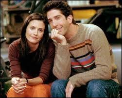 Comment s'appelait la grand-mère morte de Ross et Monica ?