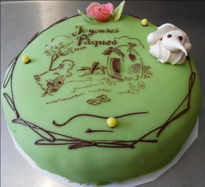Quel est ce gâteau composé de génoise parfumée au grand marnier, fourrée de fruits confits et recouvert de pâte d'amande ?