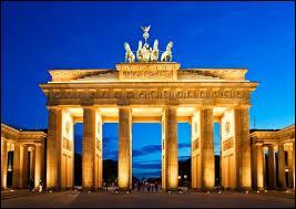 Durant quel siècle la Porte de Brandebourg fut-elle construite ?