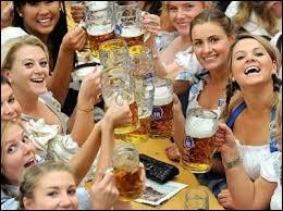 Dans quelle ville se déroule chaque année la fête de la bière ?