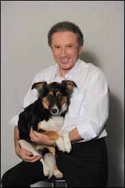 Quel est le nom de la chienne de Michel Drucker ?