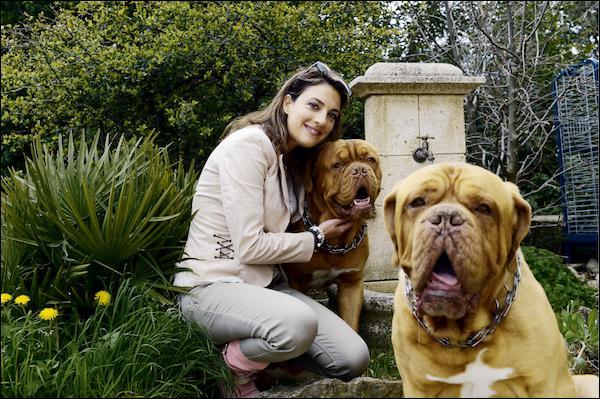 De quelle race sont les chiens d'Ève Angeli ?