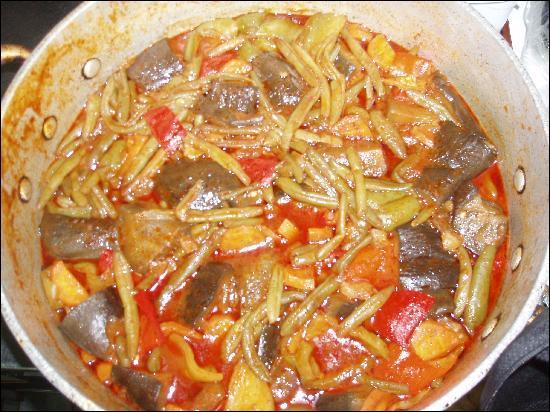 Le bourou bourou est une soupe de légumes et de pâtes, de quel pays est-elle la spécialité ?