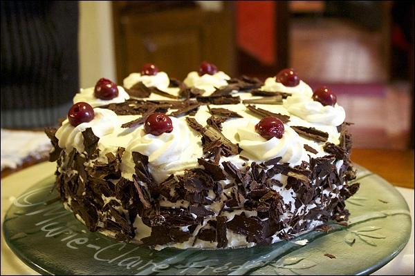 Quel est le pays d'origine de ce gâteau dont nous nous délectons aussi en France ?