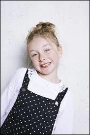 """Qui est cette petite fille, absolument mignonne, qui a ému le jury de """"The Voice Kids"""" par son interprétation de """"La vie en rose"""" ?"""