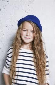 Qui est cette jeune fille qui a une voix incroyable ?