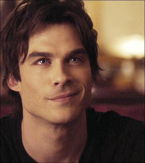 Dans quelle série a-t-il joué Damon Salvatore ?