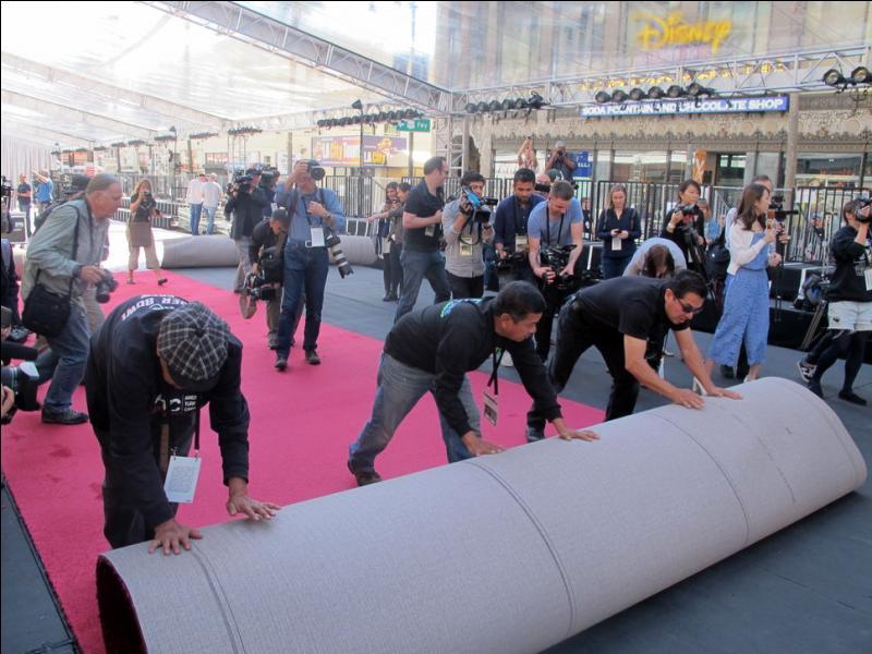 Qu'est-ce qui mesure 152 mètres de long lors de la cérémonie des Oscars ?