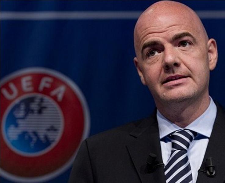 Gianni Infantino, Italo-suisse, est le nouveau Président de la FIFA. Quel métier a-t-il exercé précédemment ?