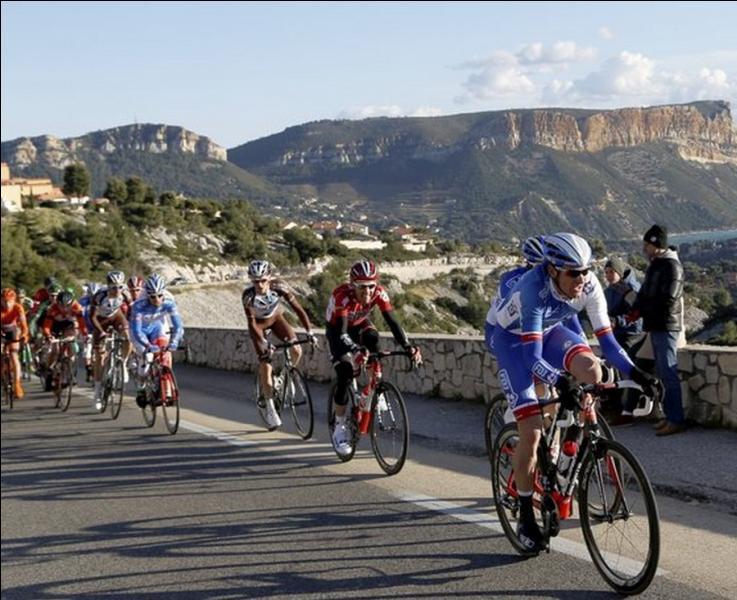 Sous les couleurs de quelle équipe Thomas Voeckler vient-il de gagner le premier Tour de Provence ?