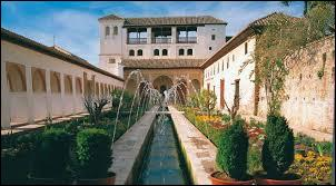 Si je vous dis le musée de l'Alhambra, le palais de Charles Quint et le Généralife, vous me dites ?