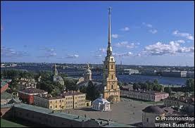 Si je vous dis la perspective Nevski, la forteresse Pierre et Paul et le musée de l'Ermitage, vous me dites ?