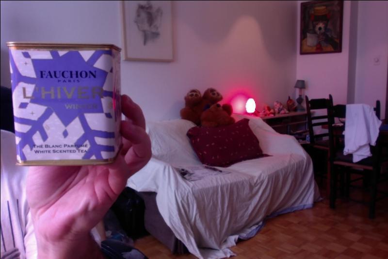 Fauchon a fait une série de thés pour les 4 saisons. Voici le thé d'hiver c'est évidemment un thé... (remplir les pointillés)