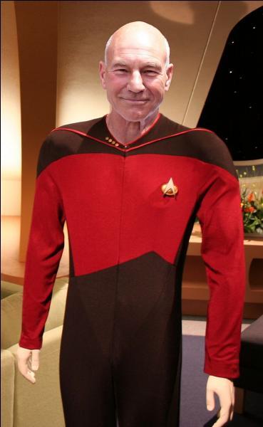 Jean-Luc Picard est un capitaine issu de l'univers d'une fiction. Laquelle ?