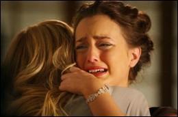 Dans la saison 3, Chuck n'a pas le temps de demander Blair en mariage, pourquoi ?