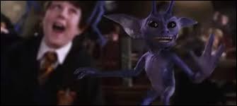 Quelles créatures Gilderoy Lockhart lâche-t-il dans la salle de défense contre les forces du mal ?