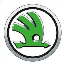 Quel constructeur automobile a choisi une flèche ailée comme logo ?