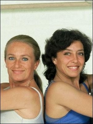 Comment s'appelait l'émission qu'animaient Véronique et Davina de 1982 à 1986 sur Antenne 2 ?