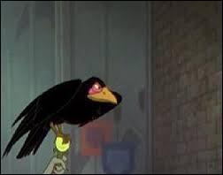 Quasimodo est dans son église. D'un seul coup, il entend un bruit et se fait surprendre par un corbeau noir sortant du noir. Qui est cet oiseau ?